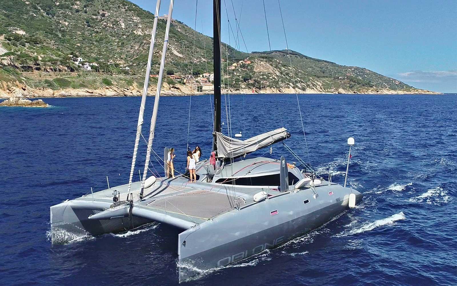 catamarano8Giu2020.jpg