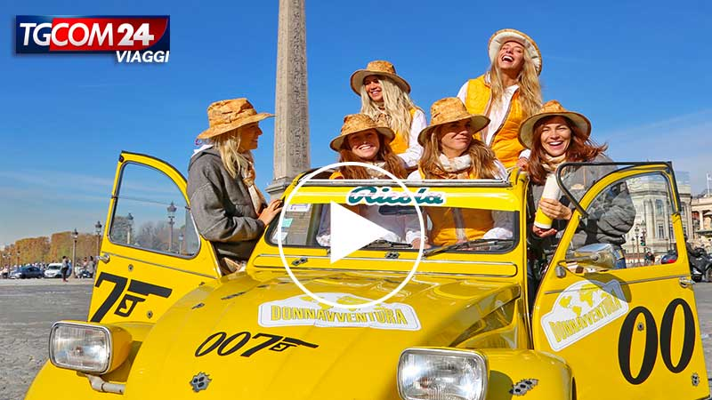 Discover Paris with the legendary 2CV