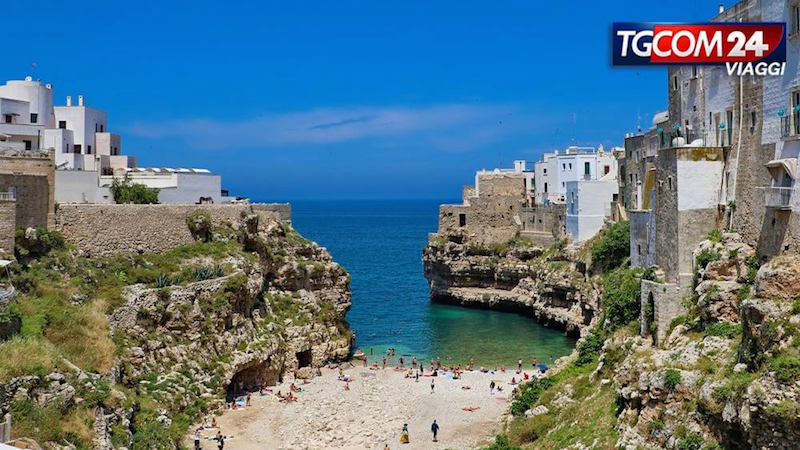 Puglia: its sea and magic places