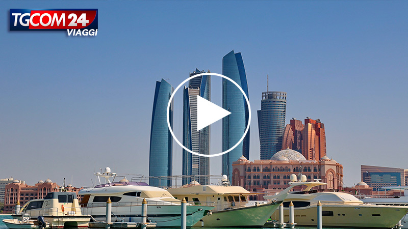 Donnavventura and the beauty of Abu Dhabi, the city among the sand dunes